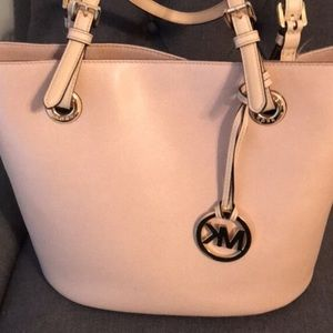 Michael Kors pink/rose gold purse!!